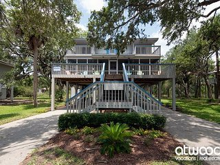 Big Oak Landing - Well Maintained Beach Walk Home - 4BR/2.5BA
