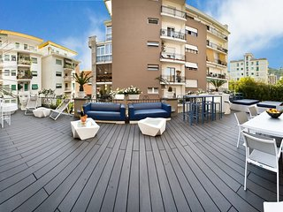 Luxury apartment DIAMOND HOME DE LUXE Sorrento Center with terrace and Jacuzzi