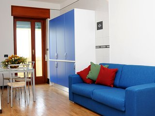 Welcoming two-rooms CASA AZZURRA located in the center of Sorrento