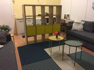 CAMERA/studio centralissima con accesso indipendente, bagno privato e garage