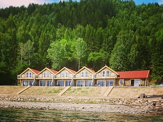 Hjellup Fjordbo