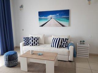 Hill apartment (6 pax) con piscina y padel