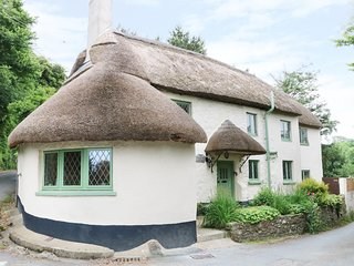 THE THATCHED COTTAGE, pet-friendly, Barnstaple, 984108