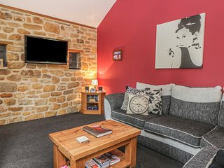 LITTLE BYRE COTTAGE, open-plan, upside down living, exposed stonework, near Thir