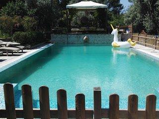 Appartement independant dans le jardin d'un beau Mas provencala a 2 min d'aix