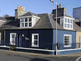 Galloway Cottage - Coastal Family Cottage (Pet Friendly)
