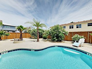 3BR w/ Private Pool & Fire Pit - Near Beach