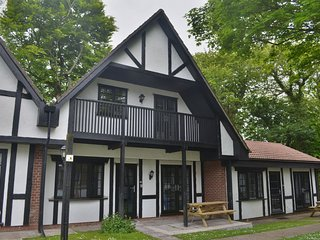 40 Tudor Court, Tolroy Manor - Three bedroomed Tudor Style Property