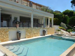 Villa Perelis - luxury with stunning views