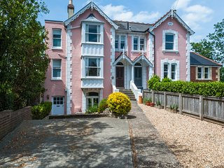 Harbour Mount Bembridge, Great Village Location And An Excellent Holiday Home