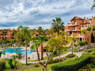 Stunning 2 bed apartment, New Golden Mile. Sotoserena Golf Resort