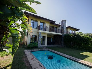Zimbali Baluwatu Villa offers self-catering accommodation in a lovely, modern, 4