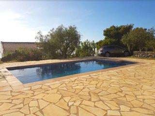Nice house with pool access & Wifi