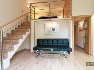 Excellent 2 bedroom House in Barcelona  (FC8881)