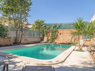 TRADITIONAL HOUSE WITH POOL IN CAMPANET
