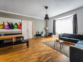 BIG GROUP apartment in party area up to 25 pax