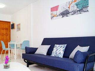 Spacious and very bright apartment near the beach. Wifi