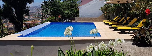 Quinta do Bom Sucesso,a farm with amazing sea view, animals and vegetable garden