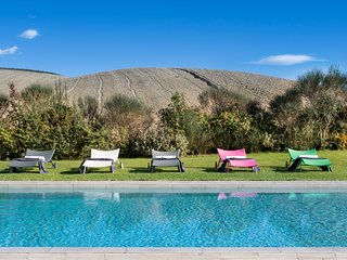 Six person villa in Montalcino with private pool and airco
