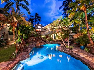 Palione Papalani - Steps to Kailua Beach w/private pool and spa.  Sleeps 12.
