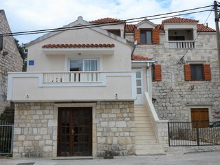 003,Cute stone house for 3 near sea
