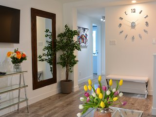 TOP Floor 4 bedrooms / 4 bathrooms with courtyard access. Sleeps 9 people.
