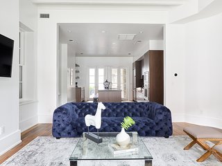 Sonder | Baronne Suite | Gorgeous 5BR + Terrace