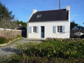 Maison avec jardin à coté des commerces et de la plage de Donnant.