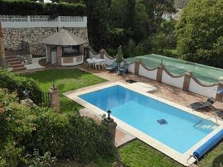 VillaParadiso- Private Luxury Villa - 2 Apartments, vacation rental in Mijas Pueblo