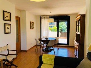 Apartamento en complejo residencial.Piscina, garaje y wifi