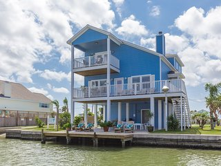 Coastal Class Waterfront Fishing, Beach, Private Pool