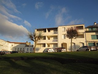 ST GEORGES DE DIDONNE, APPARTEMENT BELLE VUE MER, ACCES DIRECT PLAGE