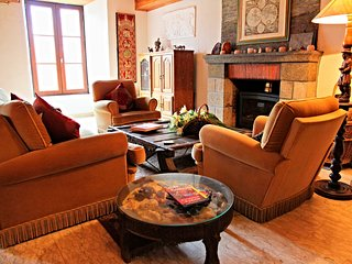 Manoir du Mur 4 bedroom furnished apt