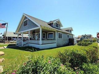 Beautiful Oak Bluffs Home with Wonderful Waterviews