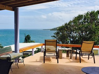 Casa SuMarco, Culebra / Sweet 2 BR House with Fantastic View & Cool Breeze