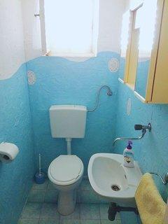A2(4+1): toilet