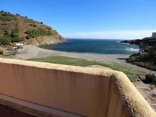 Studio face à la mer, sans route à traverser, toiture-terrasse de 30 m2.