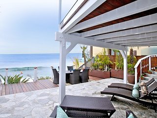 Oceanfront 3BEDROOM Cottage  On The Sand in Heart of Laguna Beach Village