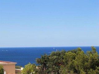 Appartement F2 avec terrasse et une vue mer