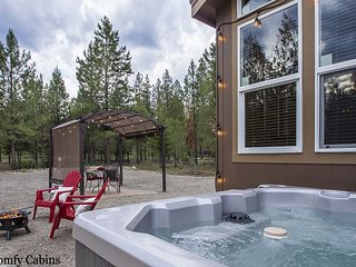 Cozy couple's or small family getaway, Hot Tub, Wi-Fi, and Fido OK