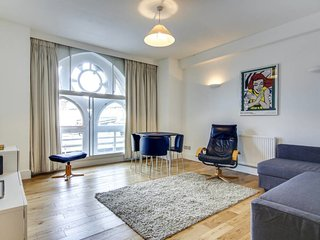 Beautiful 2Bed/2Bath apt sleeps 6 in Farringdon
