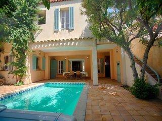 Maison de ville avec piscine entre ville et plages - 6 chambres - Possibilité 13