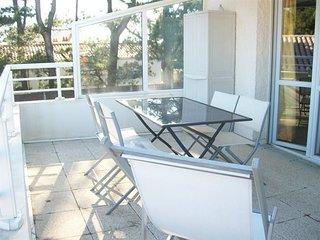 600M PLAGE et PETITS COMMERCES - Agréable appartement étage dans maison individu