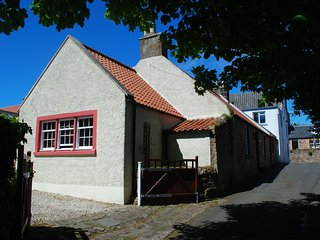 St Christopher's Cottage - a fabulous traditional cottage