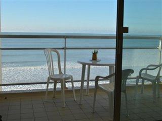 St gilles - grande plage - acces direct a la plage  face mer