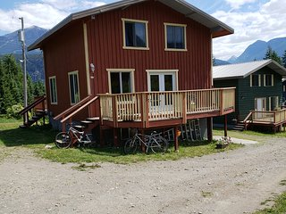 Cherry Cove Cabins 1A