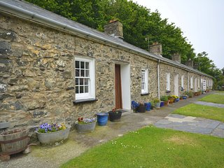 61170 Cottage situated in Porthgain