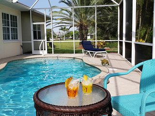 Villa IBIS, Waterfront  Pool Home south facing near Golf Course, 3 TV, WiFi