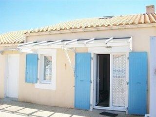 PROXIMITE PLAGE DU MARAIS GIRARD - Dans residence, maison de type 2 mezzanine /