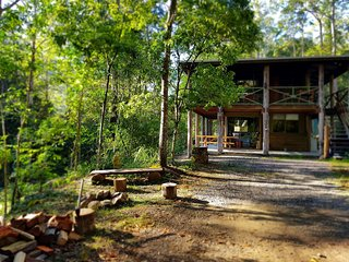 The Gum Leaf Cabin. Carawirry Forest Escape.